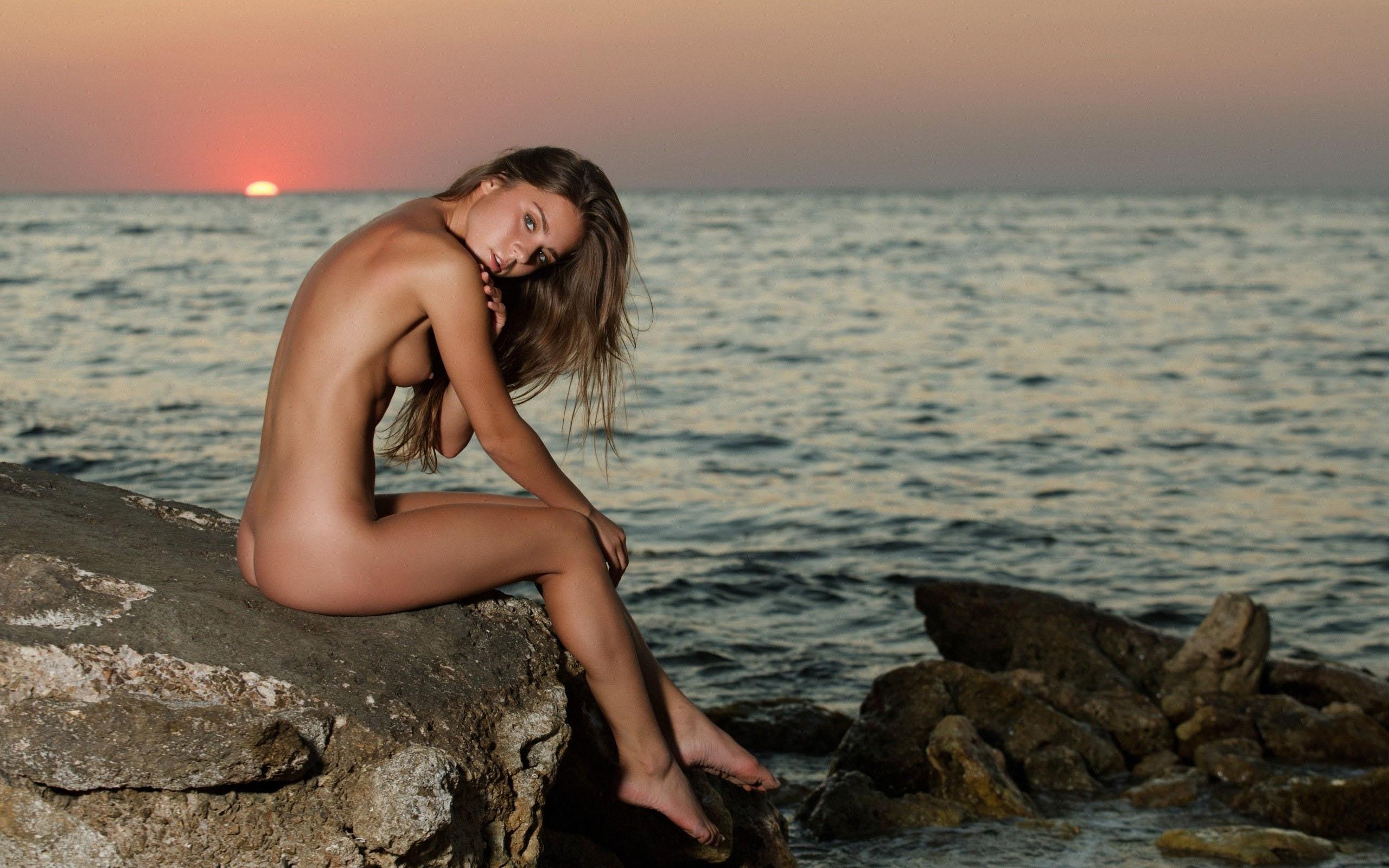 эротическое профессиональное фото на пляже беременная