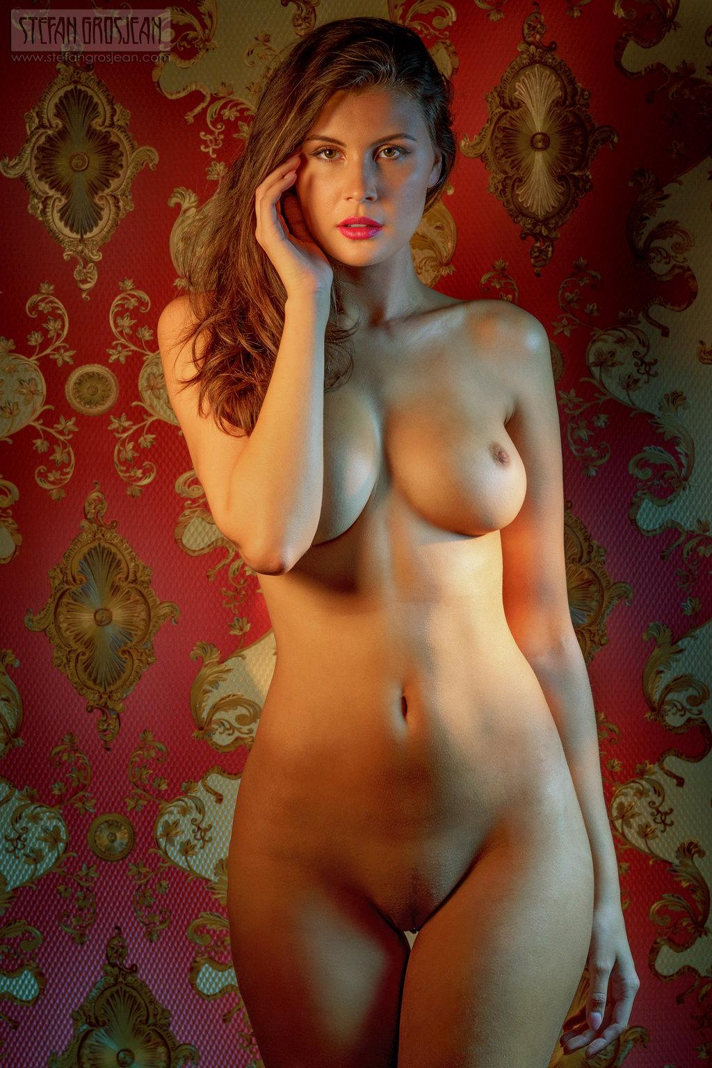Madame Voyeur - three hot new pics every day