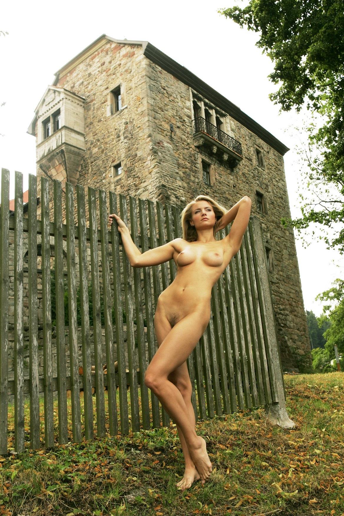 Raffaella offidani nude topless and sex barbara crampton nip slip